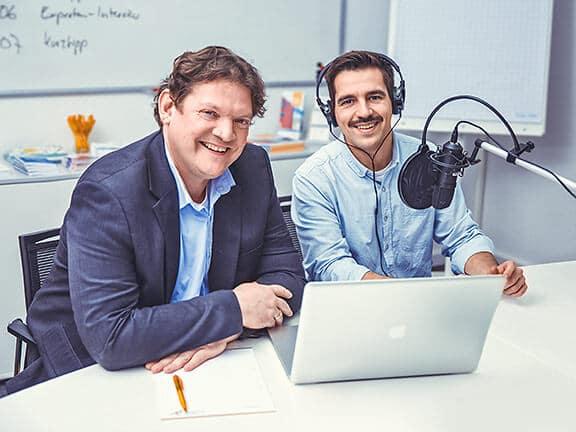 Die Moderatoren des Unternehmer Radios Prof. Dr. Wassermann (links) und Danilo Manca (rechts)